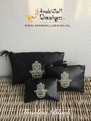 Khmisa / Khamsa Clutch (Timeless Black)